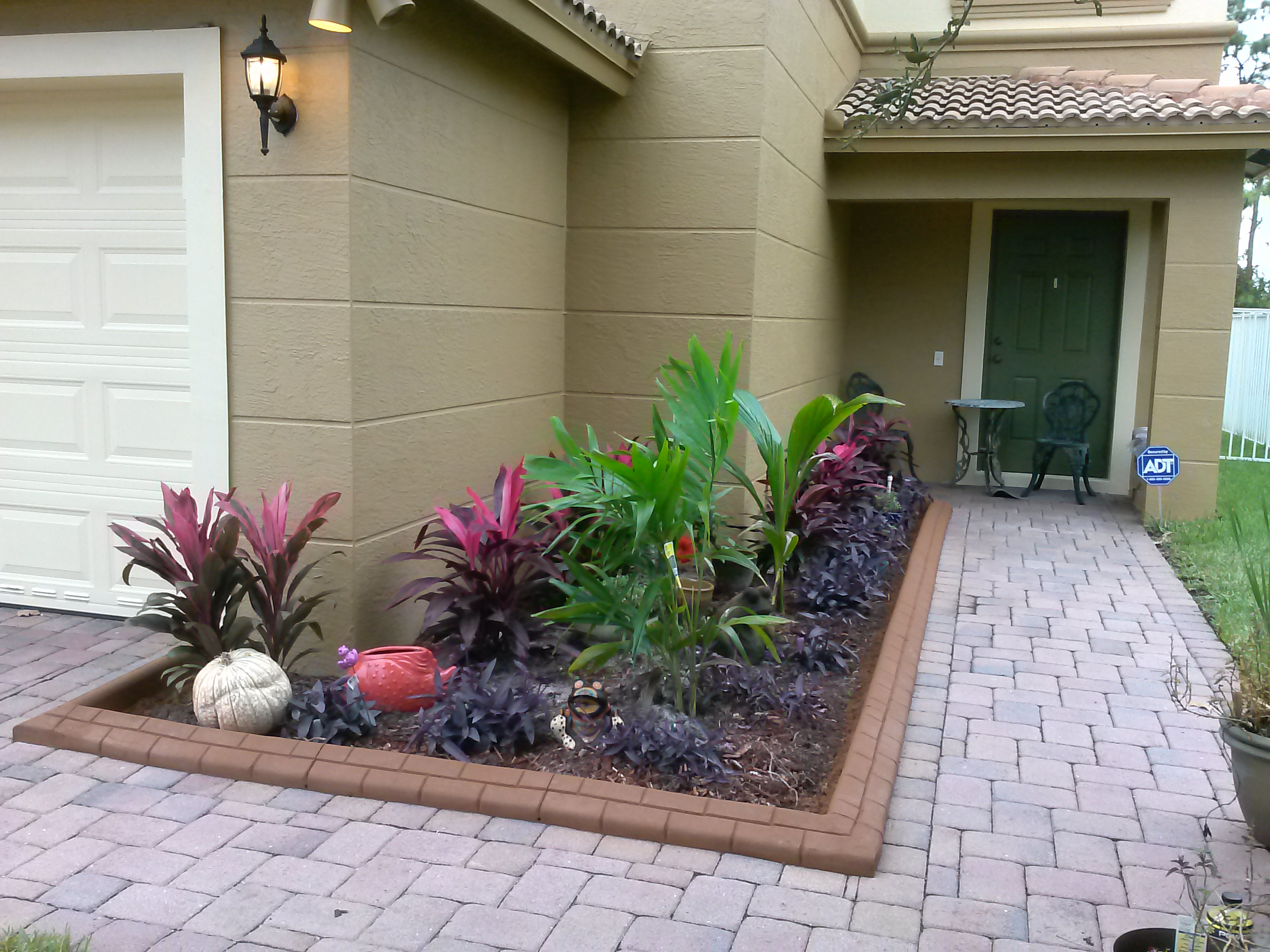 Flower bed, plant, mulch, beauty, paver, decorative, Greenacres
