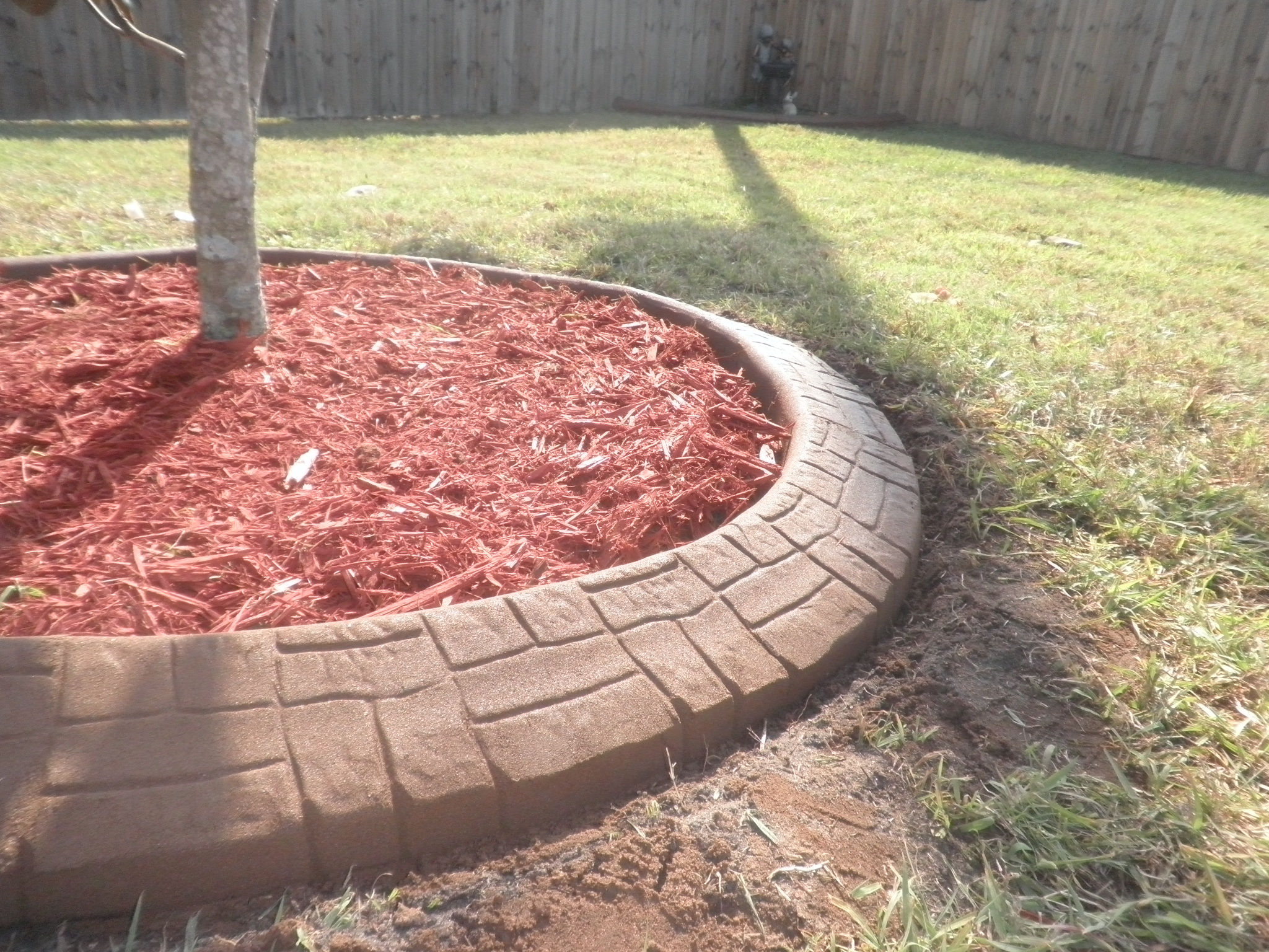 Decorative Curbing, circles, shapes, color, pattern, desig landscape